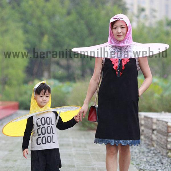 Model Jas Hujan Unik yang Akan Membuatmu Tampil Berbeda
