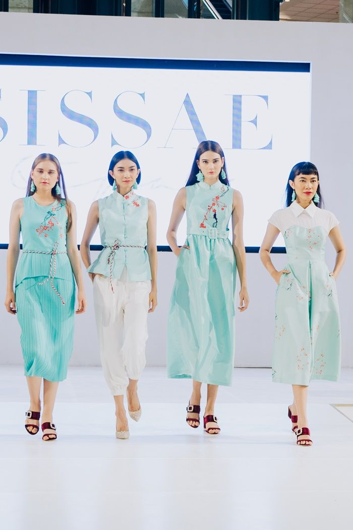 Tren Fashion Imlek 2019 dengan Cheongsam Modern by 'Sissae' Warna Pastel